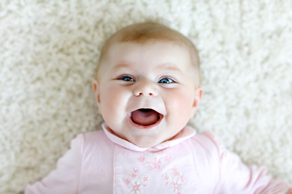 Μωρό τριών μηνών: Όλα όσα κάνει ένα μωρό αυτό το μήνα