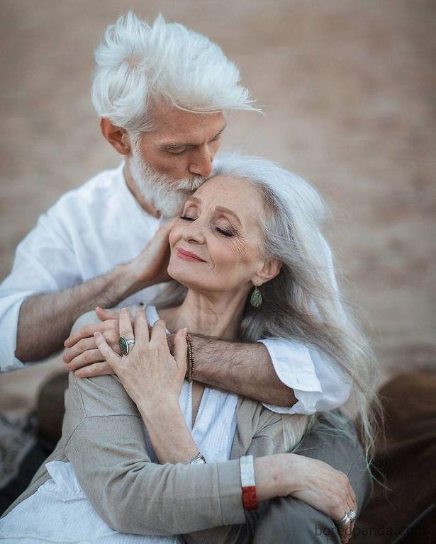 Η ομορφιά δεν έχει ηλικία. Γυναίκες άνω των 45 ετών σε ρόλο μοντέλου (pics)
