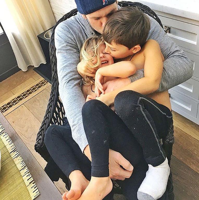 Gisele - Tom Brady: Το φωτογραφικό άλμπουμ της όμορφης οικογένειας τους (pics)