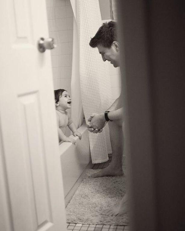 Αυτό που θα δημοσιεύσω θα ντροπιάσει το παιδί μου; (Μην σκέφτεστε το τώρα μόνο σκεφτείτε και το μετά, όταν ενηλικιωθεί. Τα ποστ δεν διαγράφονται έτσι απλά... μένουν)