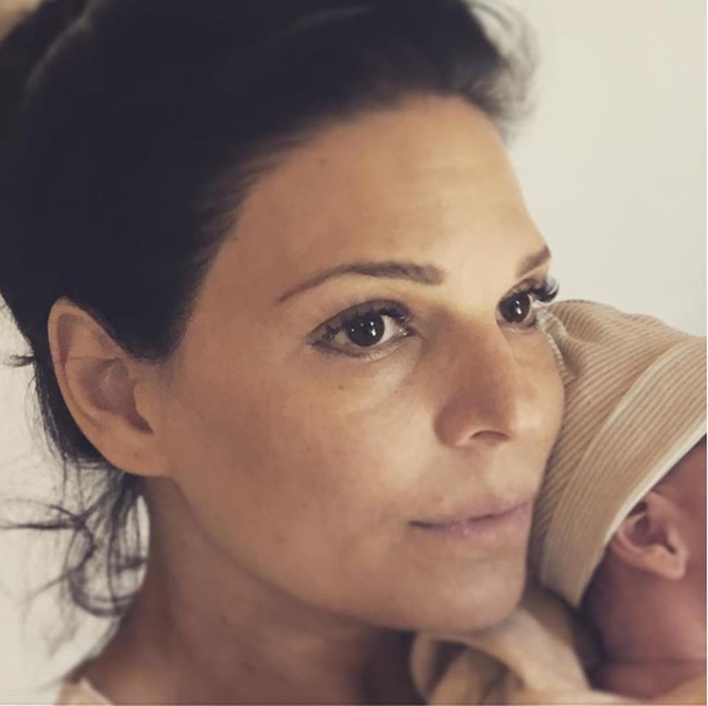 Μαρίνα Ασλάνογλου: Στις 14 Μαρτίου γέννησε το γιο της