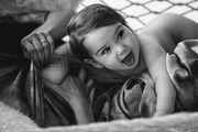 Γιορτάζουν τη μητρότητα θηλάζοντας τα παιδιά τους (pics)