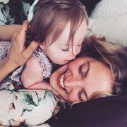 H γνωστή ηθοποιός δημοσίευσε τις πιο γλυκές φωτογραφίες της κόρης της με σύνδρομο Down(pics)