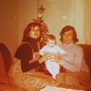 Ζέτα Μακρυπούλια: Η φωτογραφία με την κούκλα μαμά της για τη γιορτή της Μητέρας