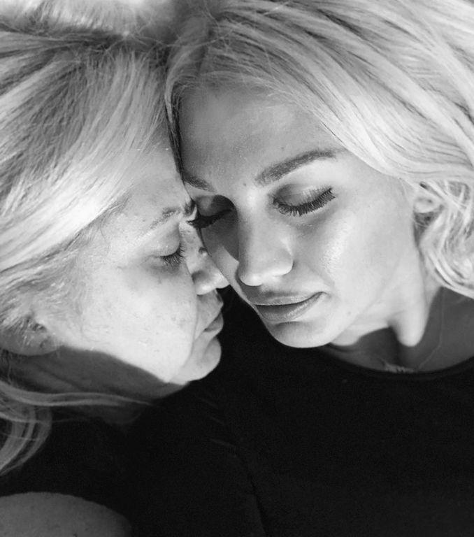 Σπυροπούλου: «Αυτή είναι η Μαμά. Σ´ αγαπώ ως τον ουρανό και χαίρομαι που σε έχω στη ζωή μου»