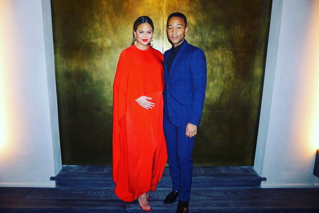 Είναι επίσημο! Η Chrissy Teigen γέννησε το δεύτερο παιδί της