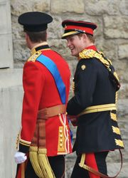 Μία μέρα πριν το γάμο του αδελφού του πρίγκιπα William όλοι ασχολήθηκαν με το ξενύχτι και τη συμπεριφορά του πρίγκιπα Harry στο ξενοδοχείο