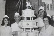 Η γαμήλια τούρτα της πριγκίπισσας Anne και του Mark Phillips το 1973