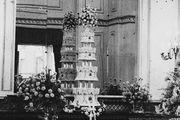 Η γαμήλια τούρτα της Βασίλισσας Ελισάβετ και του πρίγκιπα Φιλίππου το 1948