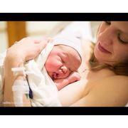 """Φωτογραφίες γέννας δείχνουν το """"πρόσωπο"""" της πραγματικής ευτυχίας"""