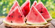 Καρπούζι: Περιλαμβάνει περίπου 92% νερό, είναι πλούσιο σε βιταμίνες Α και C και λυκοπένιο κι αποτελεί ένα ισχυρό αντιοξειδωτικό, που βοηθά στην ασφαλή απώλεια βάρους