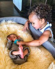 Πριν μερικές ώρες δημοσίευσε την πρώτη φωτογραφία της κόρη της με το νεογέννητο γιο της