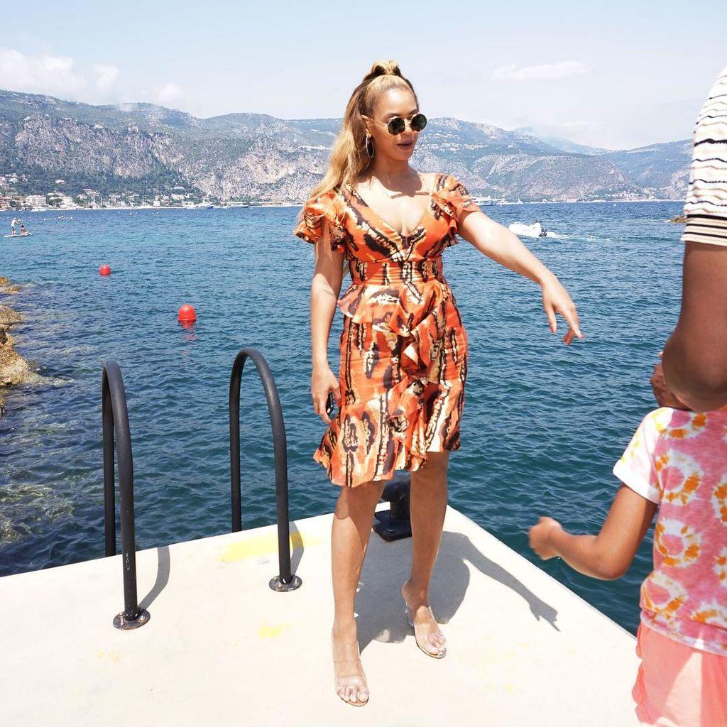 Beyonce – Jay-Z: Οι καλοκαιρινές στιγμές με την Blue Ivy κατά τη διάρκεια της περιοδείας (pics)