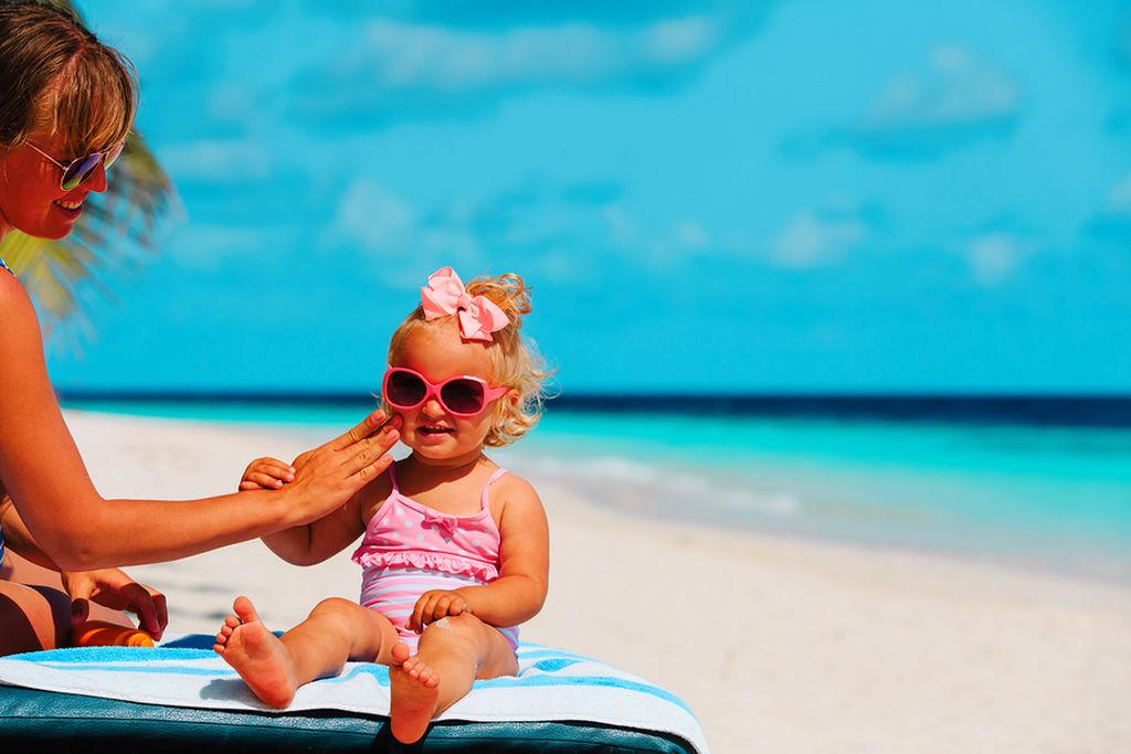 Πως να αντιμετωπίσετε το ηλιακό έγκαυμα του παιδιού σας