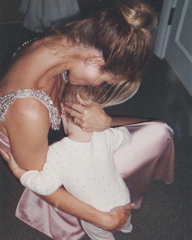 Rosie Huntington Whiteley - Jason Statham: Οι νέες φωτογραφίες με τον γιο τους που πρέπει να δεις