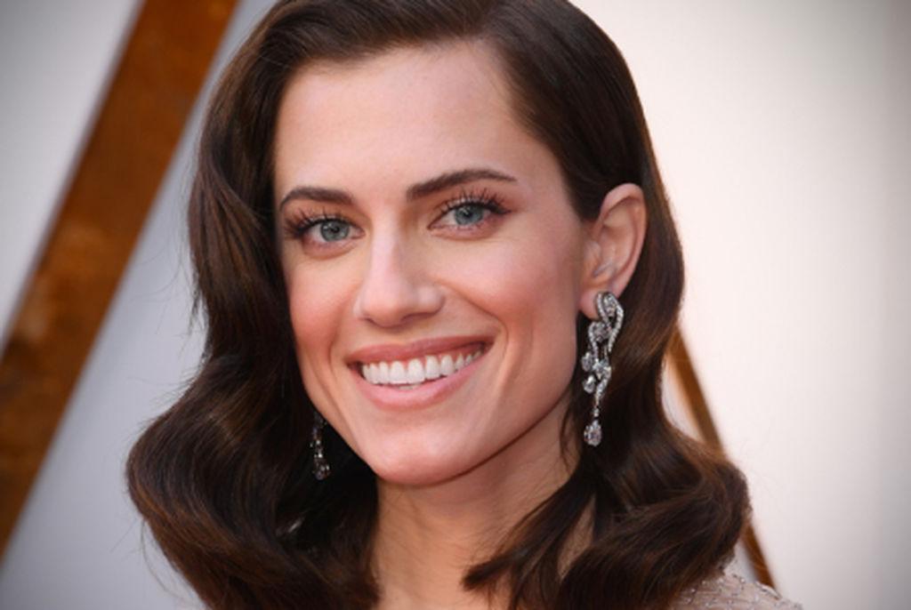 Alison Williams, ηθοποιός και κόρη του διάσημου δημοσιογράφου του NBC Βrian Williams