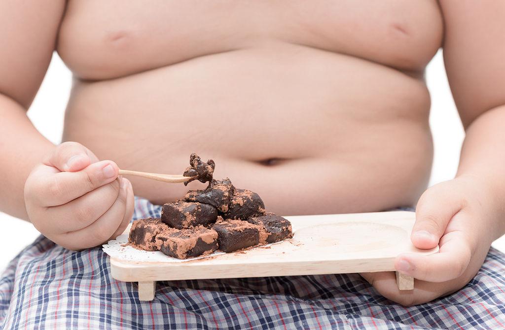 Παιδική παχυσαρκία: Τι πρέπει να γνωρίζουν οι γονείς και τι να προσέχουν