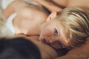 Γιατί ο δημόσιος θηλασμός δεν πρέπει να αποτελεί ταμπού (pics + vid)