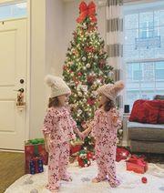 Όμορφα διδυμάκια φόρεσαν τα γιορτινά τους και περιμένουν τον Αη Βασίλη (pics)