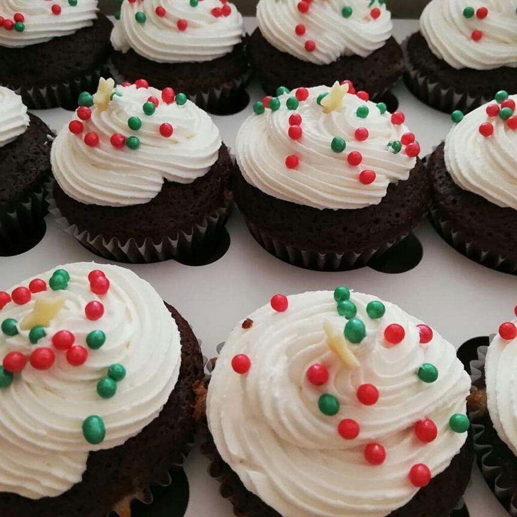 Φτιάξτε cupcakes μαζί με τα παιδιά σας ακολουθώντας αυτή την εύκολη συνταγή (vid