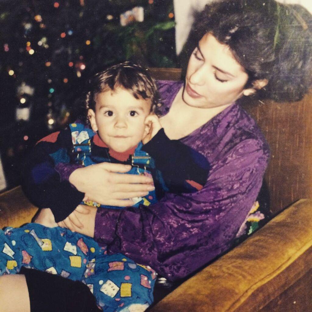 Ελένη Μενεγάκη - Θοδωρής Μισόκαλος: Η σχέση με τον αδερφό της μέσα από φωτογραφίες (pics)