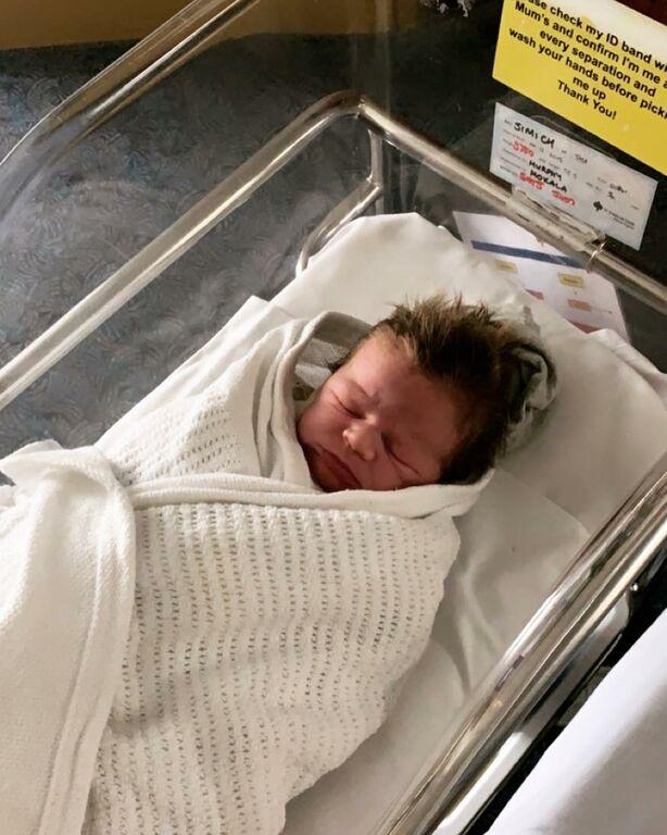 Αυτός είναι ο Boston - Το τεσσάρων μηνών μωρό με τα πιο εντυπωσιακά μαλλιά που έχετε δει (pics)