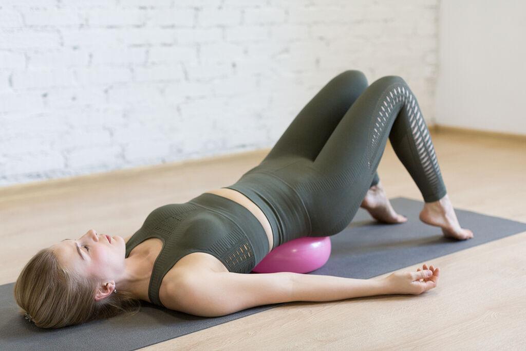 Εντοπίστε τους μύες του πυελικού εδάφους (ζητήστε από τον γυναικολόγο σας να σας βοηθήσει αν δεν μπορείτε να τους βρείτε εσείς)