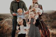 Πώς μοιάζει να έχεις 4 παιδιά και όλα κάτω των 3 ετών; Έτσι! (vid)