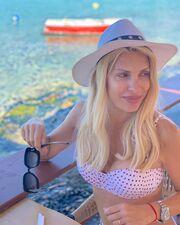 Η πρώτη φωτογραφία της χωρίς ρετούς από τις φετινές καλοκαιρινές διακοπές της