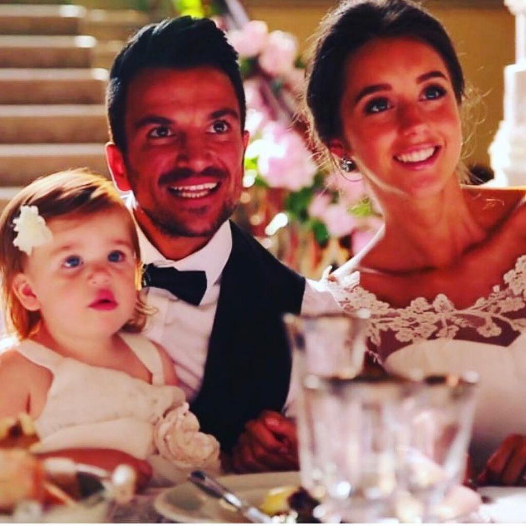 Ο Peter Andre μαζί με τη σύζυγό του και την κόρη τους.