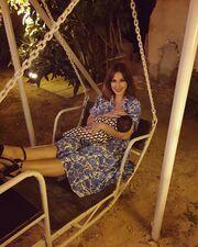 «Τρελο φαγοπότι στον γαμο της φιλης μας της @polyxenies στην Κύπρο ? ? #εμειςοιδυοπαμεπακετο ?? #πικουνακιείσαιτρέλα  #breastfeeding #breastfeedingmybaby»