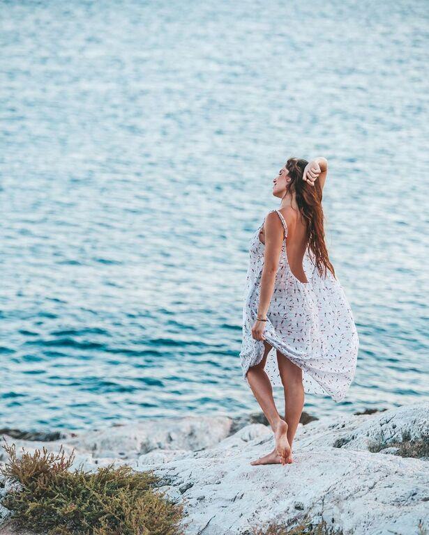 Είναι ίσως από τις ωραιότερες γνωστές Ελληνίδες και ξεχωρίζει τόσο για τη μεσογειακή ομορφιά της όσο και για τις διακρίσεις της στο surf..
