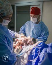Υπέροχες φωτογραφίες που αποδεικνύουν ότι κάθε γέννα είναι ξεχωριστή (pics+vid)