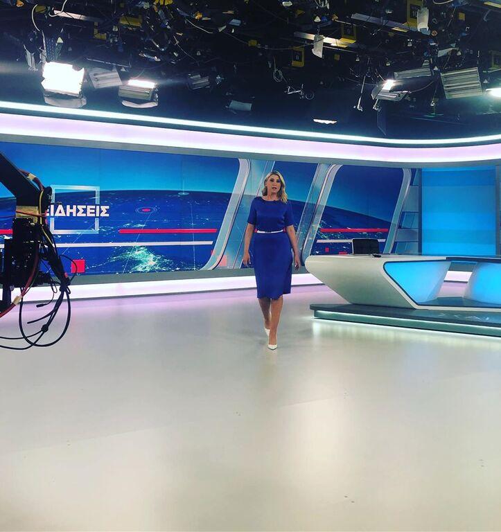 Μία «γεμάτη» τηλεοπτική χρονιά για την Σία Κοσιώνη τελειώνει και η δημοσιογράφος ανυπομονεί να αρχίσουν οι καλοκαιρινές της διακοπές.