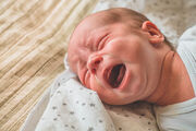 8. Το κλάμα είναι από τους ελάχιστους τρόπου επικοινωνίας του νεογέννητου, για αυτό μην πανικοβαλεστε κάθε φορά που κλαίει. Επίσης, το νευρικό του σύστημα είναι ακόμα σε πολύ πρώιμο στάδιο για αυτό και το κλάμα ειναι ο μοναδικός τρόπος αντίδρασης.