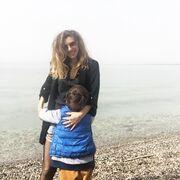 Η όμορφη ηθοποιός πολλές φορές έχει ανεβάσει φωτογραφίες με την ίδια και τον γιο της, πάντα φροντίζοντας όμως να κρύβει το πρόσωπό του.