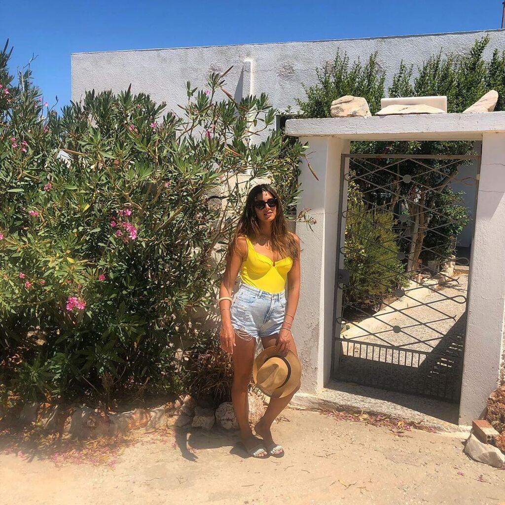 Η Σταματίνα βρίσκεται ακόμη στην Πάρο και συνεχίζει τις καλοκαιρινές της διακοπές.