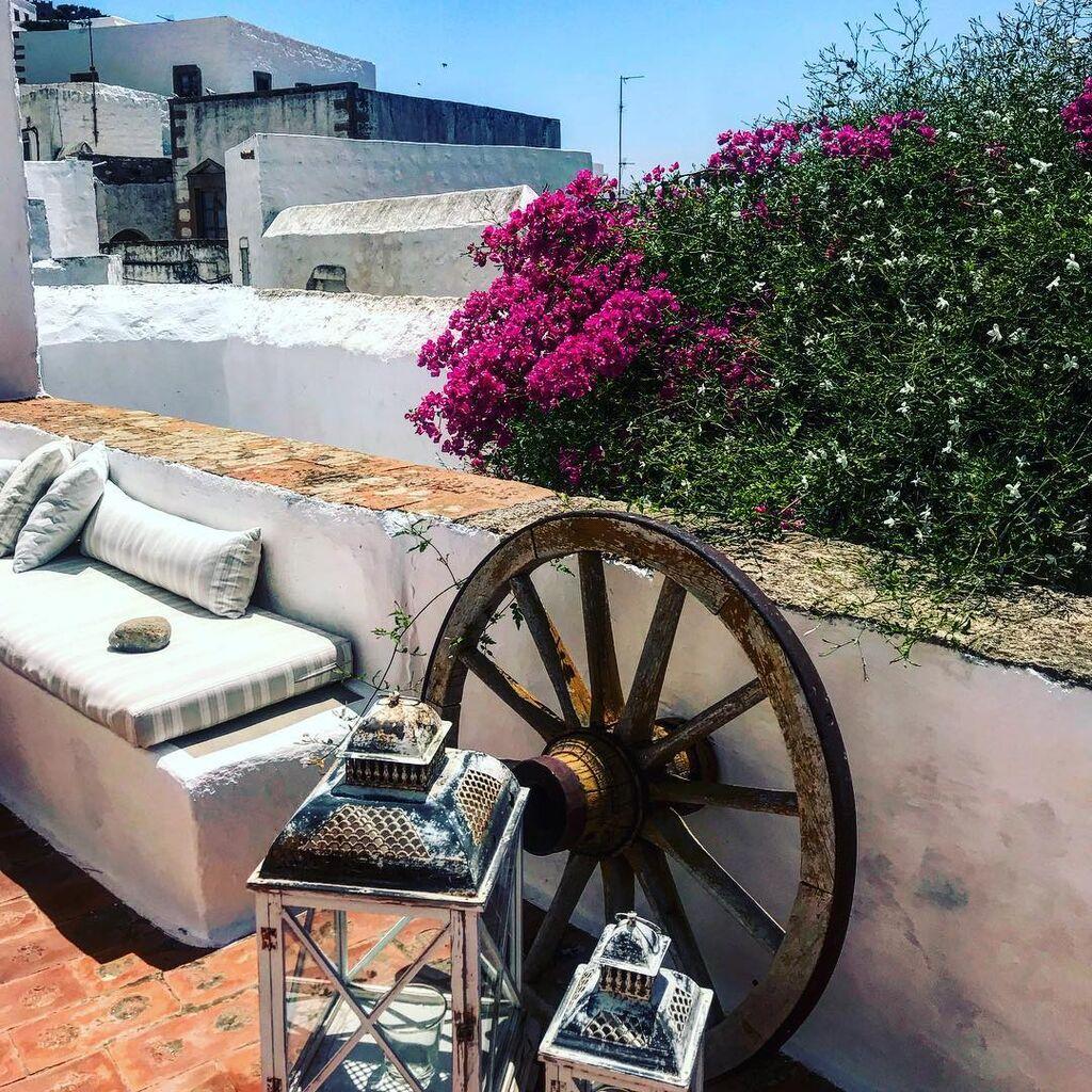 Αυτό είναι το υπέροχο σπίτι της Τζένης Μπαλατσινού στην Πάτμο (pics)