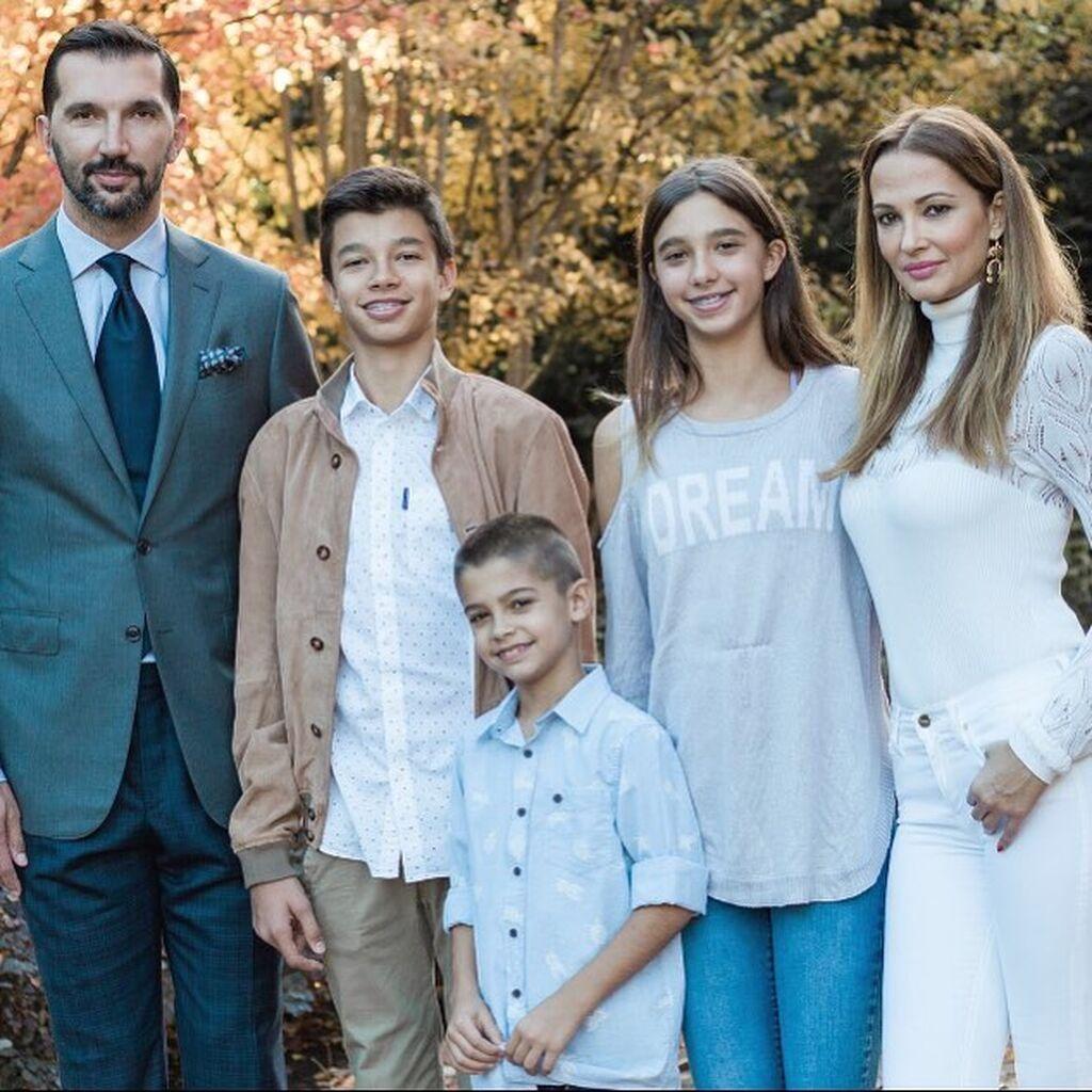 Η οικογένεια Στογιάκοβιτς σε απαρτία.