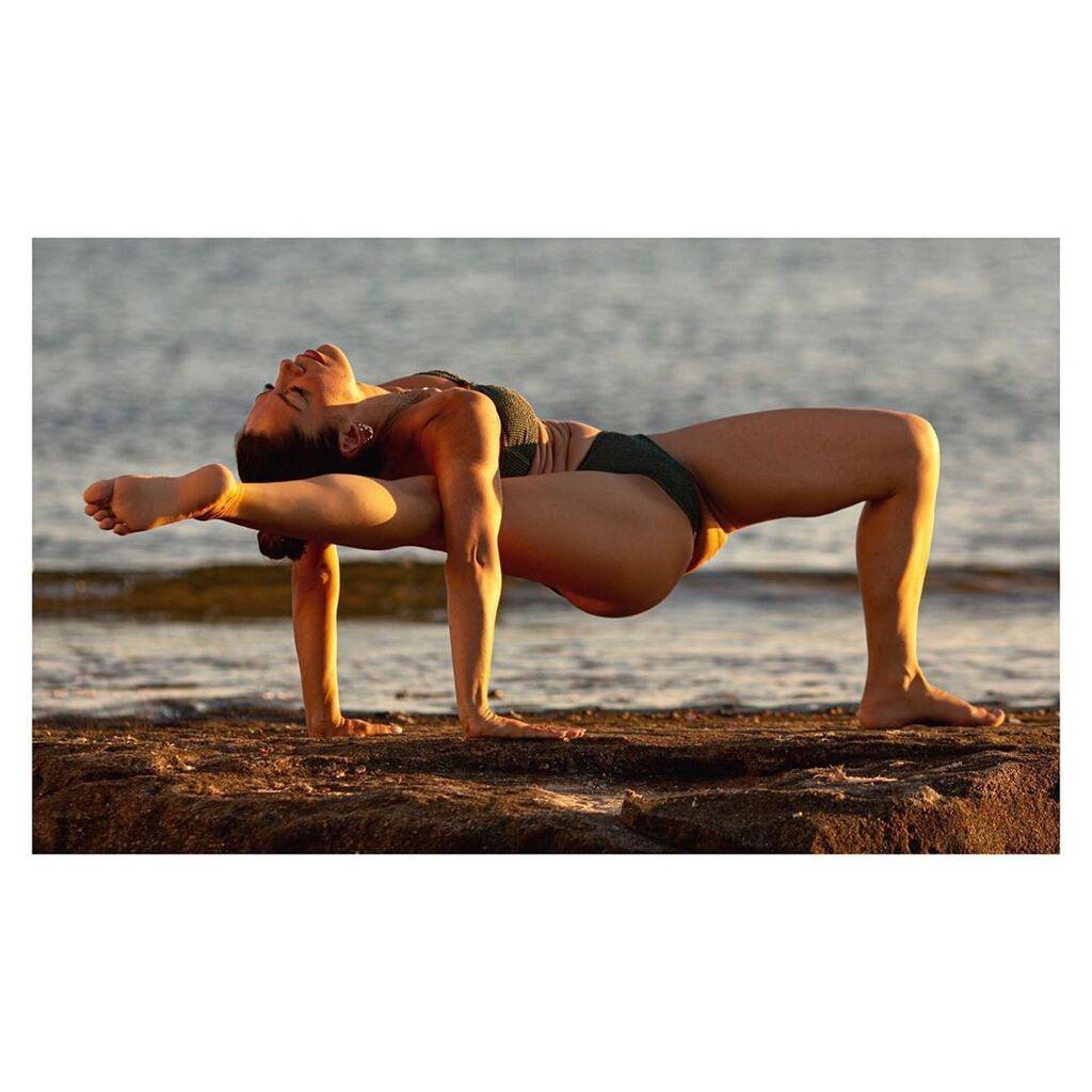 Μαριάντα Πιερίδη -  Η Μαριάντα Πιερίδη έχει έναν γιο. Η yoga είναι πλέον αναπόσπαστο κομμάτι της καθημερινότητάς της και οι φωτογραφίες που ανεβάζει στο Instagram της είναι πραγματικά εντυπωσιακές.
