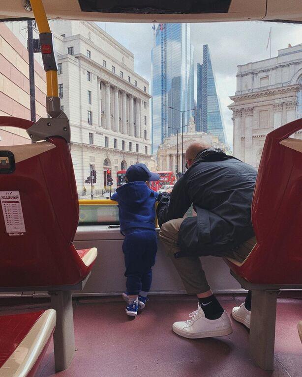 Rosie Huntington-Whiteley: Δημοσίευσε την πιο όμορφη φωτογραφία με τον γιο της (pics+vid)