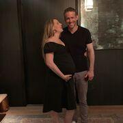Ο Ryan Reynolds δημοσίευσε την πρώτη φωτογραφία της νεογέννητης κόρης του (pics)