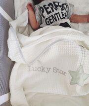 Ο μικρός ήρθε στον κόσμο στις 20 Σεπτεμβρίου και έφερε την ευτυχία στην ίδια και τον Κωνσταντίνο Μαγκλάρα.