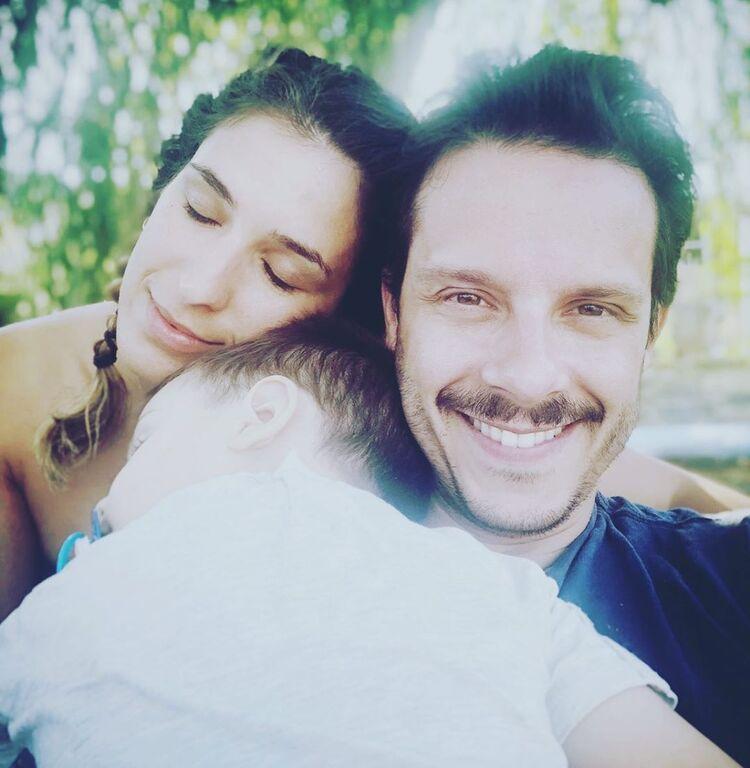 Η Αντιγόνη Ψυχράμη και ο Δημήτρης Μακαλιάς έχουν δημιουργήσει μία πολύ όμορφη οικογένεια.