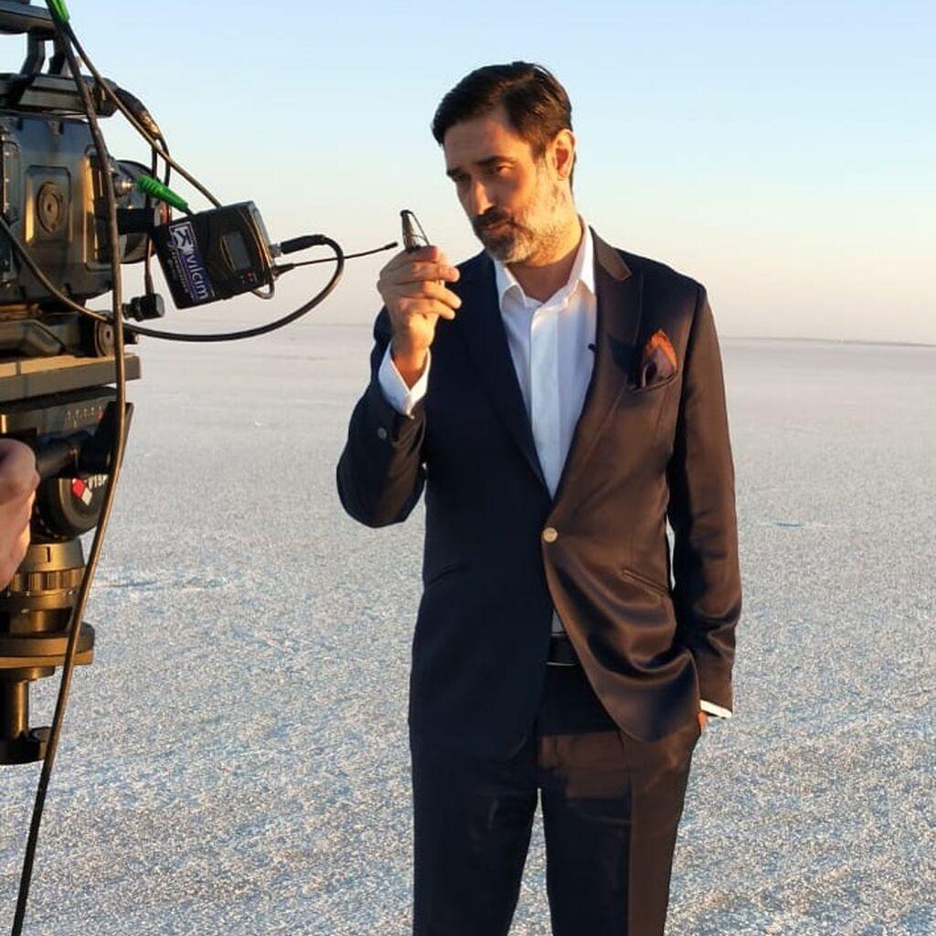 Ο Burak Hakki είναι ένας επιτυχημένος Τούρκος ηθοποιός.