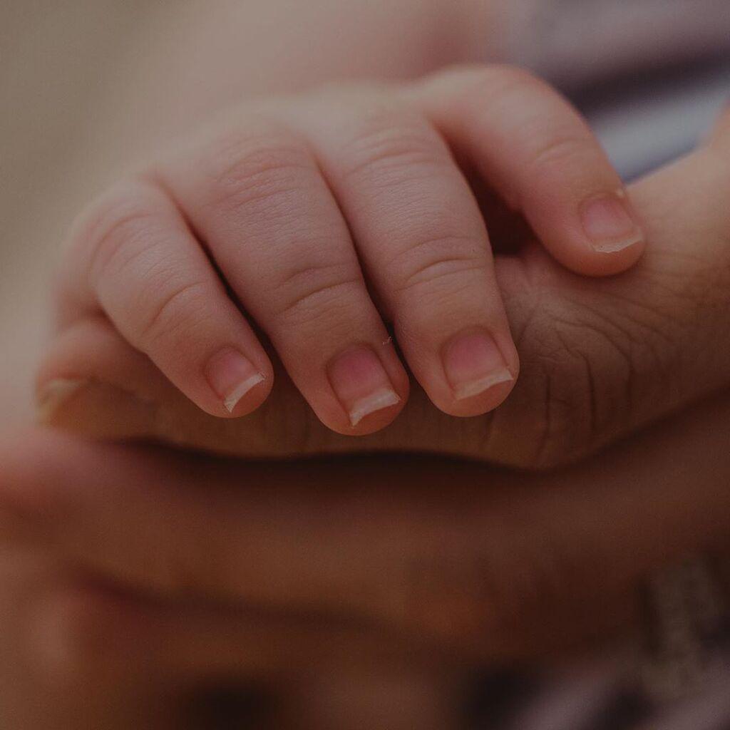 Οι πιο τρυφερές στιγμές νεογέννητων με τη μαμά τους (pics)