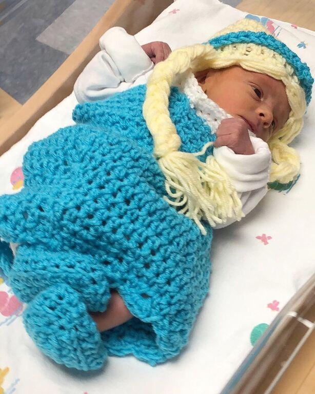 Νεογέννητα μεταμορφώνονται σε ήρωες του Frozen και γίνονται viral (pics)