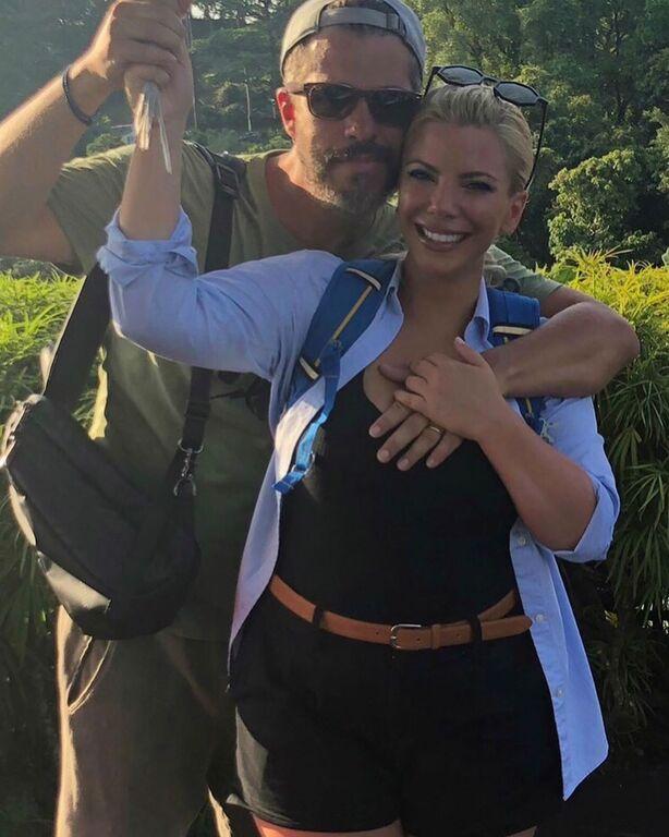 Ο λόγος φυσικά για την Αντελίνα Βαρθακούρη η οποία μαζί με τον σύζυγό της Χάρη Βαρθακούρη συμμετέχουν στο  Globetrotters.