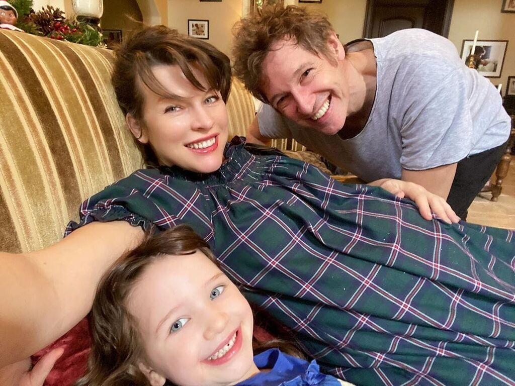 Η Milla Jovovich έγινε και πάλι μαμά στα 43 της!