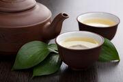 3. Πράσινο τσάι / Είναι ένα από τα πιο δημοφιλή αδυνατιστικά ροφήματα. Πιείτε 3-5 κούπες πράσινο τσάι την ημέρα.